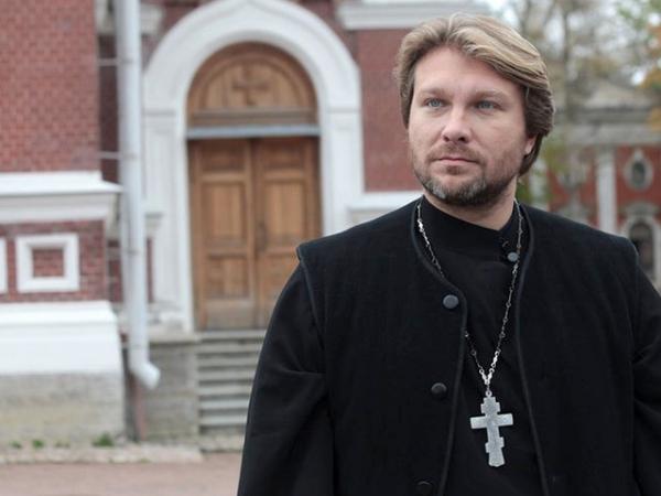 Молодой священник