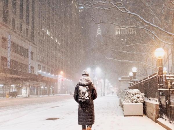 Шел по улицам бог...